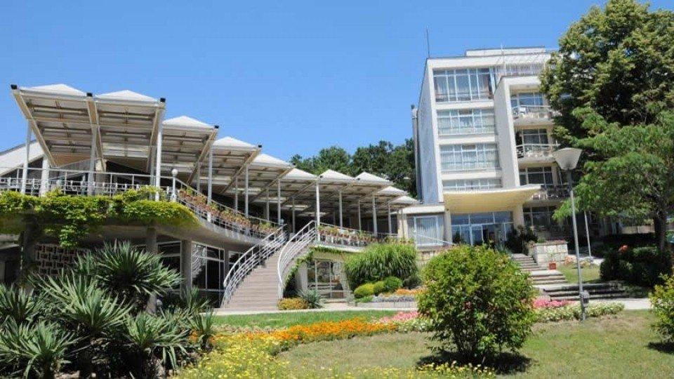 Отель Neptune Hotel 2*, курорт Святые Константин и Елена, Болгария