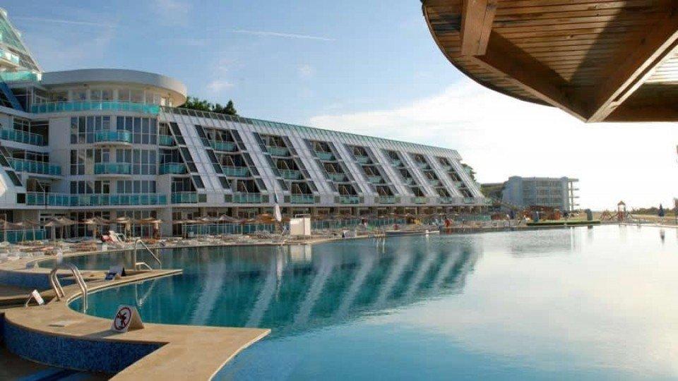Отель Roubin Hotel 4*, курорт Святые Константин и Елена, Болгария