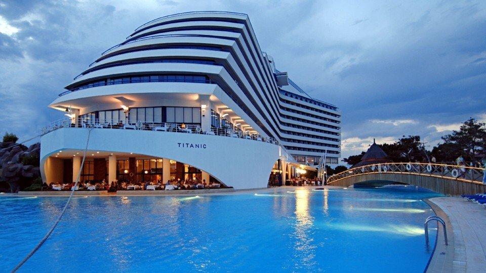 Отель Titanic Beach Lara 5*, Анталия, Турция