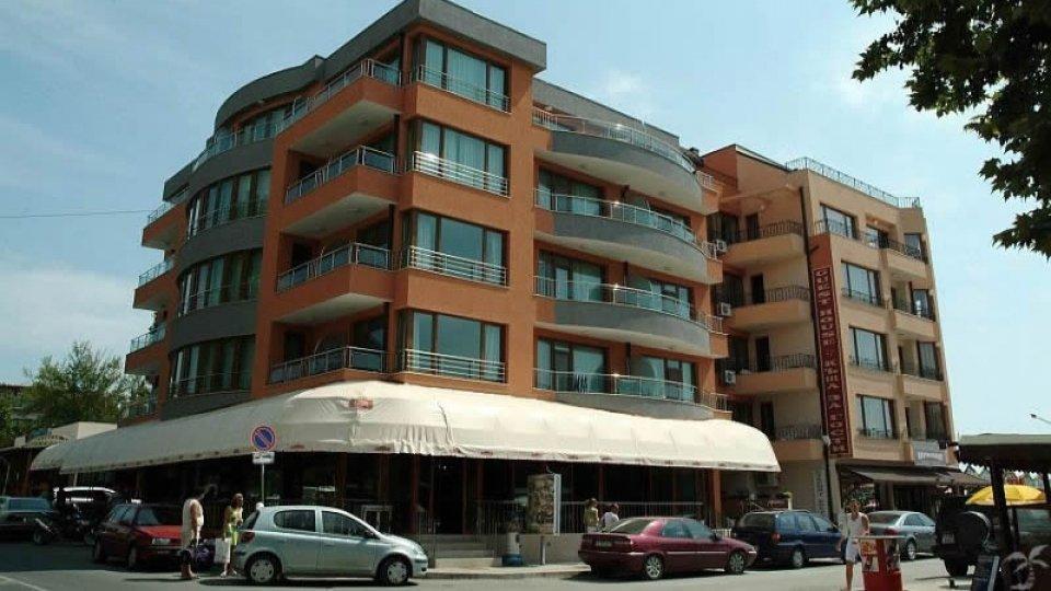 Отель Zlatna Ribka Hotel 3* в Несебре, Болгария