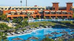 Отель Coral Sea Holiday Village Resort 5*