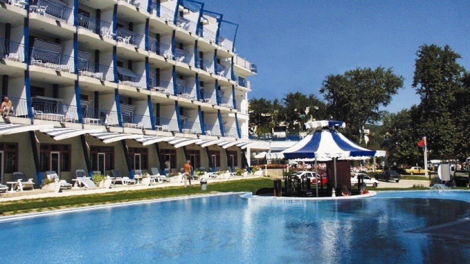 Болгарские курорты снижают цены на All Inclusive из-за непогоды