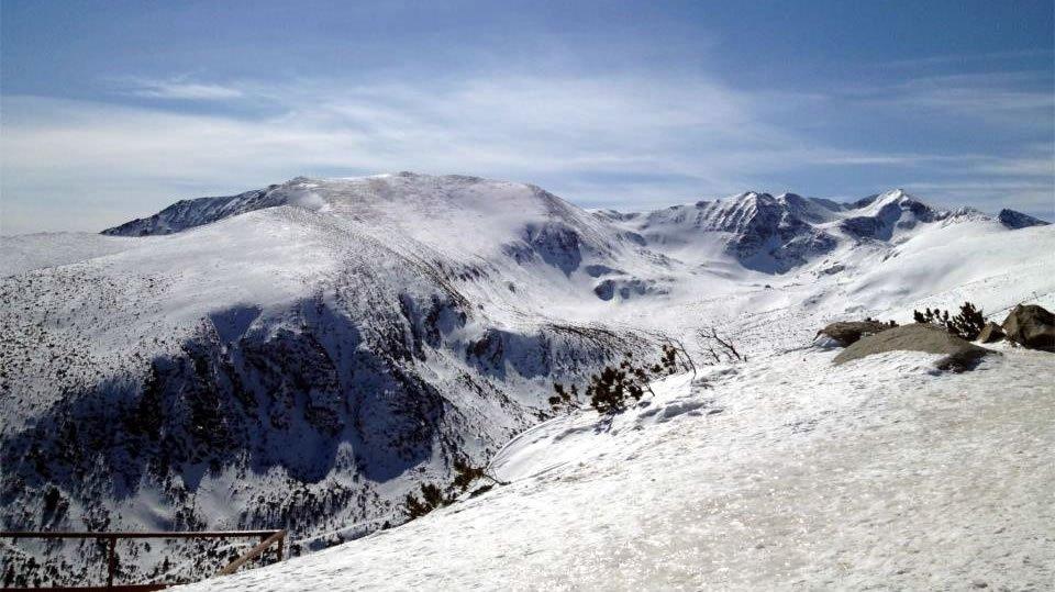 На лыжном курорте Боровец находится самый высокий на Балканах горный пик - Мусала 2925 м над уровнем моря