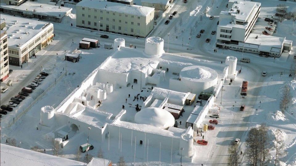 Lumi Linna - самый большой замок из льда в мире Снежно-ледовый фестиваль в Кеми
