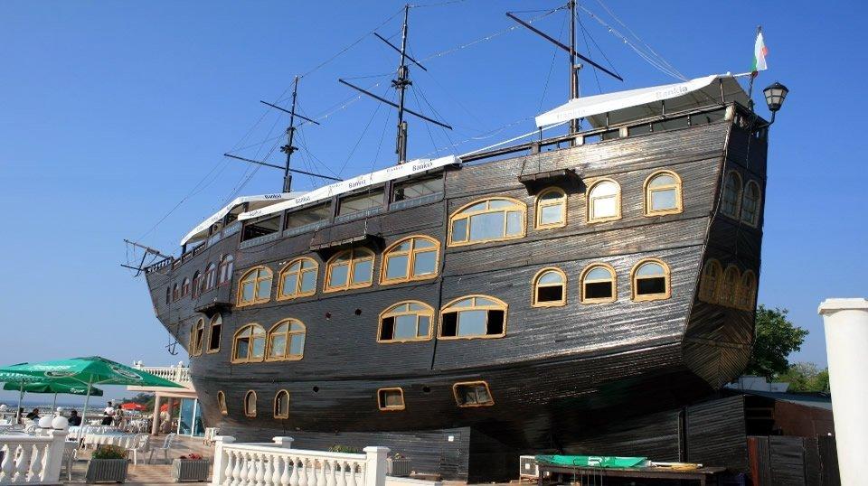Корабль-ресторан «Sirius», Святые Константин и Елена, Болгария