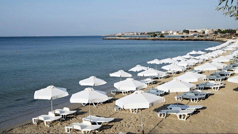 Пляж «Академика» в Несебре, Болгария